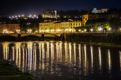 Ponte Vecchio και ποταμός Arno στη Φλωρεντία, Ιταλία Στοκ εικόνα με δικαίωμα ελεύθερης χρήσης