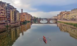 Ponte Vecchio και ποταμός Arno στη Φλωρεντία, Τοσκάνη Ιταλία Στοκ Εικόνες