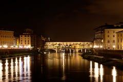 Ponte Vecchio, νύχτα Arno, Φλωρεντία, Ιταλία Στοκ φωτογραφία με δικαίωμα ελεύθερης χρήσης