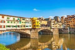 Ponte Vecchio на заходе солнца в Флоренсе, Италии Стоковое Изображение RF