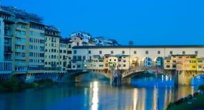 Ponte Vecchio на зоре, Флоренс, Италия Стоковые Фото