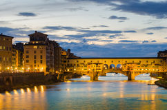 Ponte Vecchio au coucher du soleil, Florence, Italie Images libres de droits