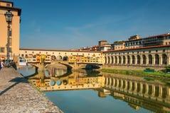Ponte Vecchio av Florence Italien Arkivfoto