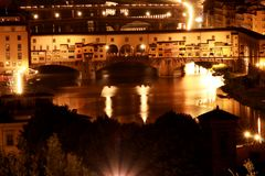 Ponte Vecchio bij Nacht Stock Foto