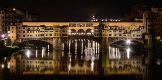 Ponte Vecchio bij Nacht, Florence Italy stock foto's