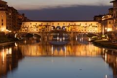Ponte Vecchio bij zonsondergang, Florence, Italië Stock Afbeeldingen