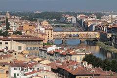 Ponte Vecchio in de stad van Florence stock foto's