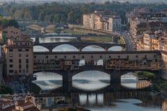 Ponte Vecchio ed il Arno, Firenze Fotografie Stock Libere da Diritti