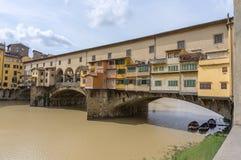 Ponte Vecchio efter storm Arkivfoton