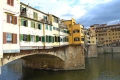 Ponte Vecchio en el río Florencia de Arno Imágenes de archivo libres de regalías