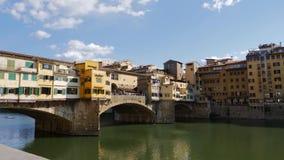Ponte Vecchio en Florencia almacen de metraje de vídeo