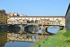 Ponte Vecchio en Florencia, Italia Foto de archivo libre de regalías
