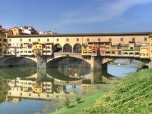 Ponte Vecchio en rivier Arno hdr Stock Foto