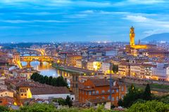 Ponte Vecchio et Palazzo Vecchio, Florence, Italie Photo stock