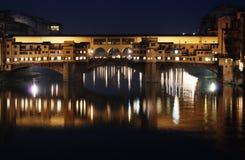 Ponte Vecchio in Florence bij nacht Royalty-vrije Stock Afbeeldingen