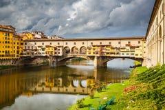 Ponte Vecchio in Florenz Stockbild
