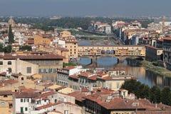 Ponte Vecchio i staden av Florence arkivfoton