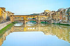 Ponte Vecchio, oude brug, in Florence. Italië royalty-vrije stock afbeelding