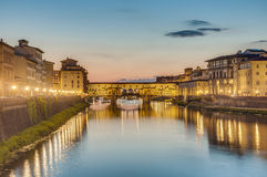 Ponte Vecchio (Oude Brug) in Florence, Italië. Stock Foto