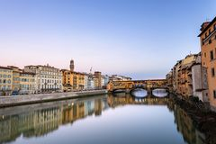 Ponte Vecchio und Arno River - Florence Italy stockbild