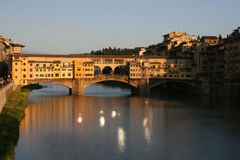 Ponte vechio by night. The ponte vechio bridge in Florence, Italy Royalty Free Stock Photos
