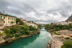 A ponte velha do local do patrimônio mundial da cidade de Mostar fotografia de stock royalty free
