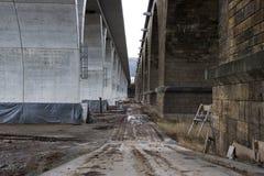 ponte velha e nova Fotografia de Stock Royalty Free