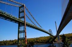 Ponte velha e ponte moderna, Maine fotos de stock