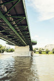 Ponte velha em Bratislava, república eslovaca, tema arquitetónico Foto de Stock Royalty Free