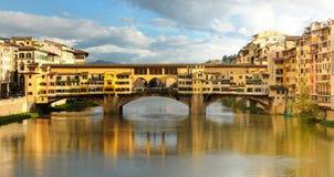 Ponte velha em Florença, opinião do panorama, Itália Fotos de Stock