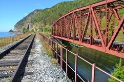 Ponte velha na estrada de ferro de Circum-Baikal, Rússia Fotografia de Stock