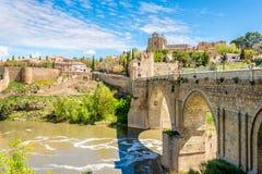 Ponte velha San Martin em Toledo Imagens de Stock