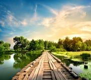 Ponte velha sobre o rio Fotografia de Stock