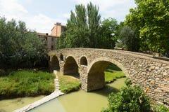 Ponte velha sobre o rio em Vic Fotografia de Stock Royalty Free