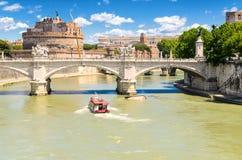 Ponte Vittorio Emanuele ΙΙ και Castel Sant'Angelo Στοκ φωτογραφία με δικαίωμα ελεύθερης χρήσης