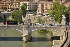 Ponte Vittorio Emanuele i Tiber rzeka obrazy royalty free