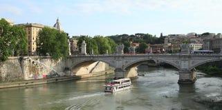 Ponte Vittorio Emanuele II Stockfotos