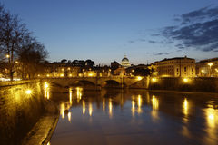 Ponte Vittorio Emanuele II @ gryning Arkivfoto