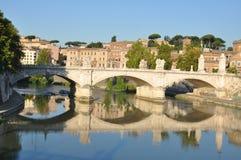 Ponte Vittorio Emanuele, Tiber-Fluss, Rom Stockfotos