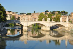 Ponte Vittorio Emanuele, Tiber-Rivier, Rome Stock Foto's