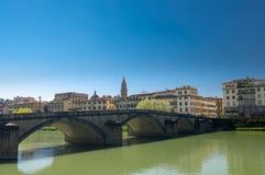 Pontealla Carraia is een vijf-overspannen brug die de Rivier overspannen Royalty-vrije Stock Afbeeldingen