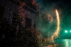 Pontedera, Centrum Sete Sois Sete Luas, fire show Avalot. Pontedera, Italy - July 14, 2016: The Avalot Fire show in Viale Rinaldo Piaggio in Pontedera, Tuscany royalty free stock images