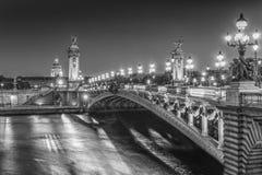 'Ponten Alexandre III' de Paris arkivbild