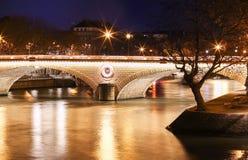 Ponten Louis-Philippe i afton, Paris, Frankrike Royaltyfri Fotografi