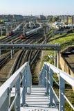 Pontes americanas do trem da construção sobre o canal de Obvodny em St Petersburg Fotos de Stock