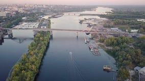 Pontes do rio da cidade video estoque
