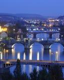 Pontes do rio de Vltava em Praga. Fotos de Stock Royalty Free