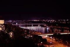 Pontes em Danube River, Bratislava, Eslováquia fotografia de stock royalty free