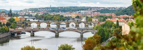 Pontes, outono em Praga, República Checa Fotos de Stock Royalty Free