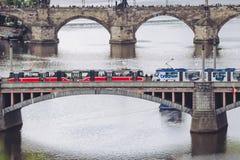 Pontes, outono em Praga, República Checa Fotografia de Stock